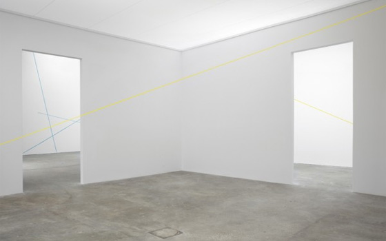 Foreground, in yellow: Fred Sandback, 16 Variations of 2 Diagonal Lines (1972).